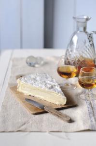 Brie de Meaux et Porto blanc sec