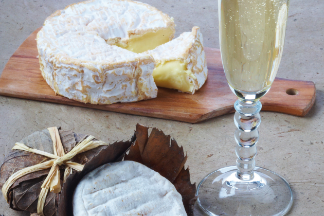 Banon wrapped in chestnut leaves & Blanc de Blancs Champagne