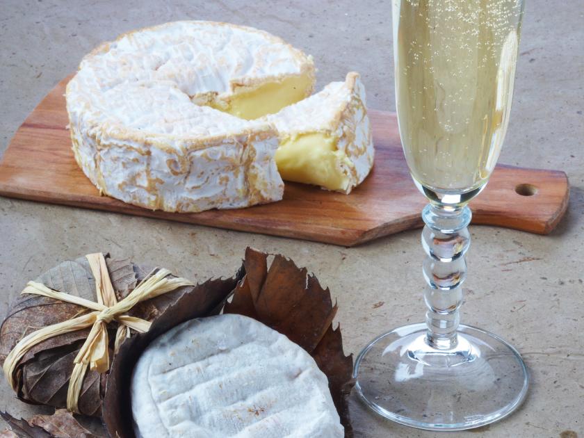 柔らかいカマンベールとシャンパン・ブラン・ド・ブラン