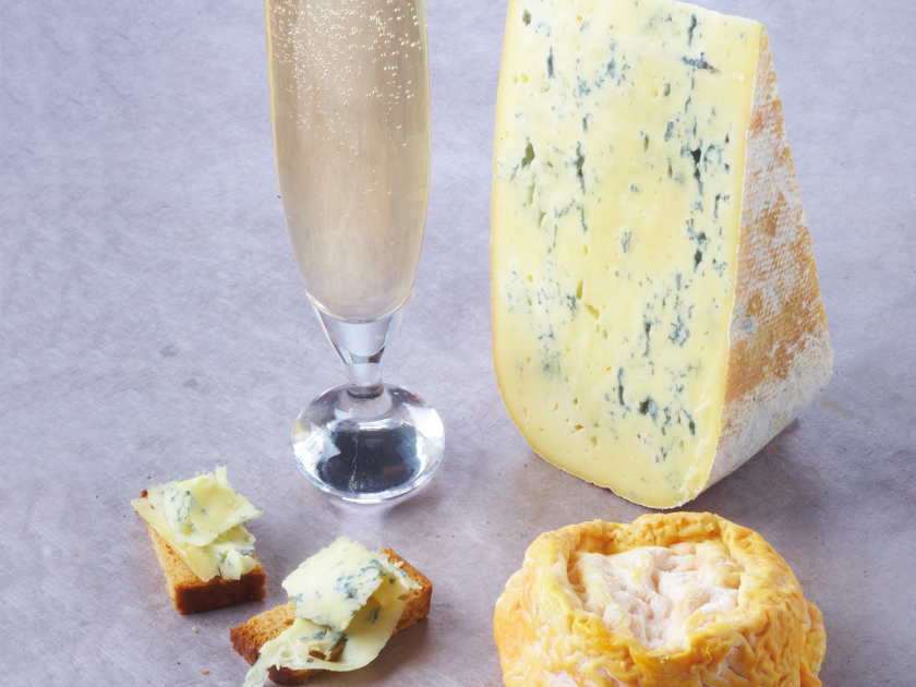 Milky Langres & semi-dry Champagne