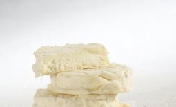 罗加马度山羊奶酪